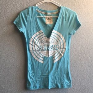 Hollister logo tee size s